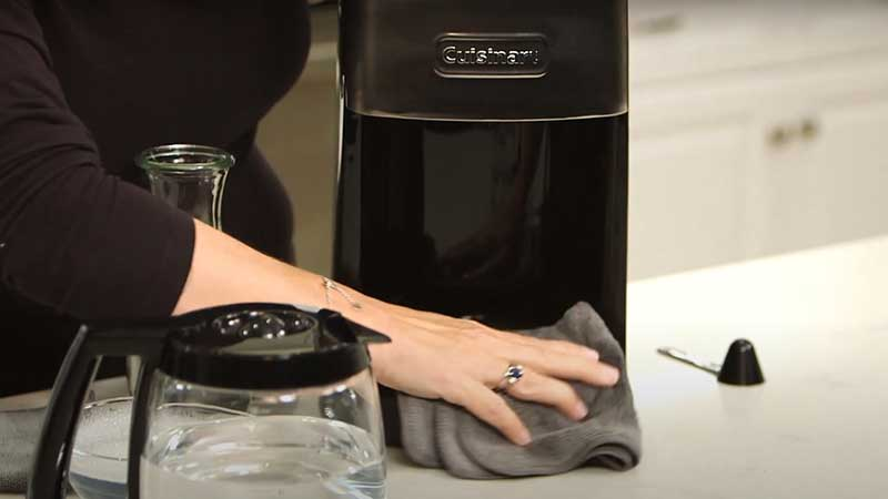 How to clean coffee maker with a grinder